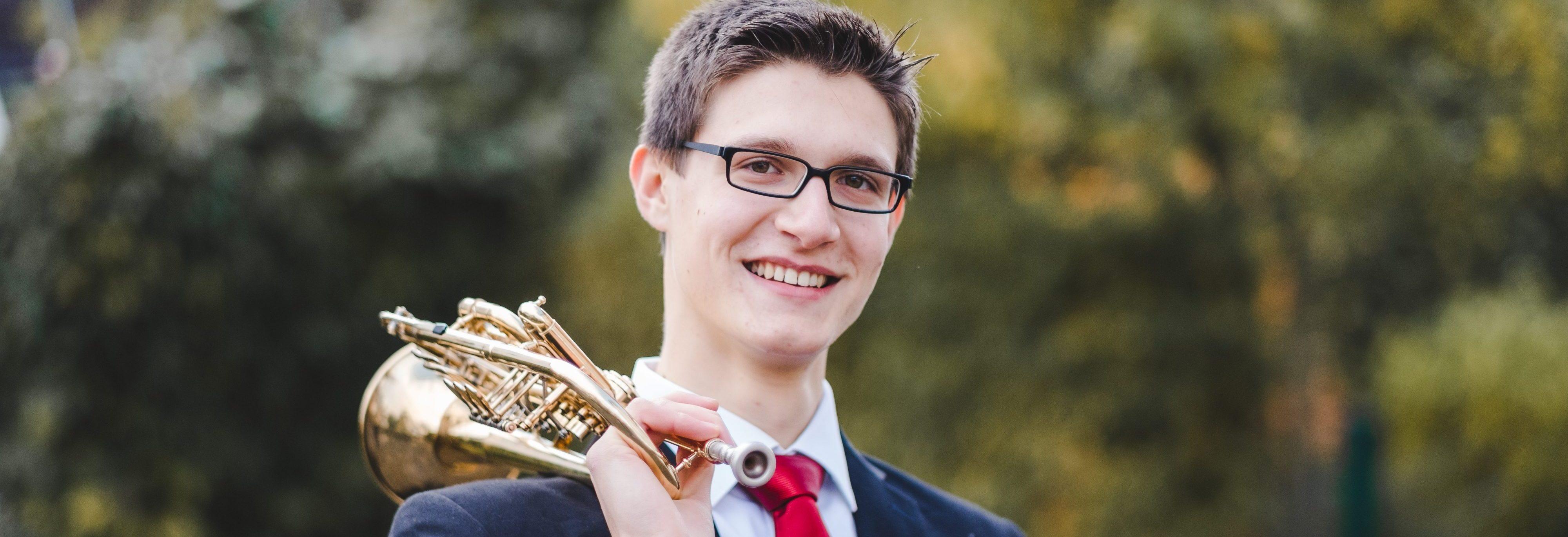 Sandro Hirsch mit Trompete - Foto von Stephan Presser Photography